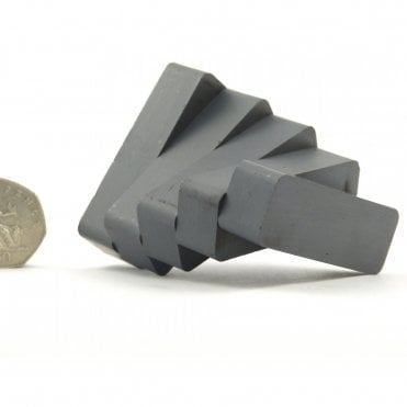 60 mm x 20 mm x 15 mm C8 multipolar ceramic ferrite block